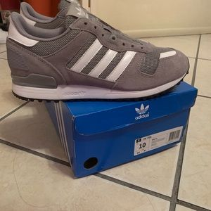 Zx 700 grey size 10 Brand New with tags,suede grey